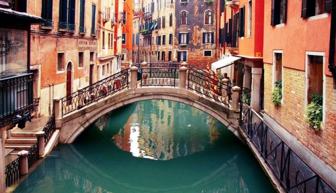 Venice-romantic-city